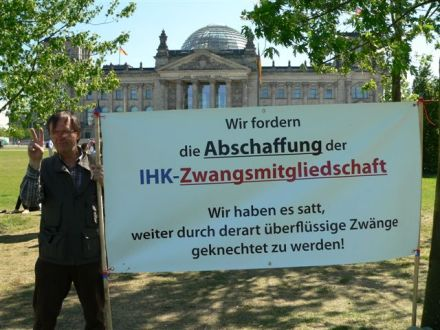 Heinrich Vetter vor dem Reichstag 25. 5. 2012